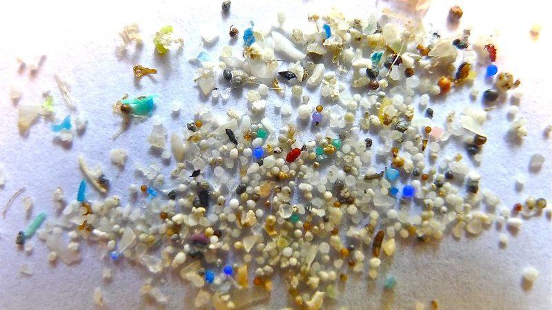 Microplastic: wat is het en hoe voorkom je het gebruik ervan?